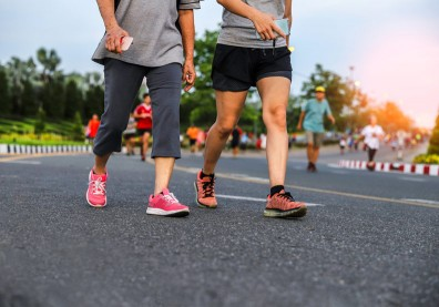 在快走運動中多加一個動作,就能提升熱量消耗還能增加肌肉量!