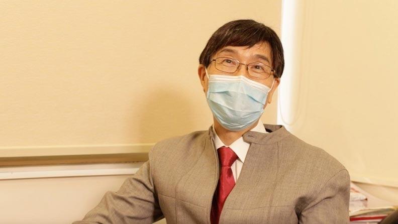 袁國勇回憶早在去年底已經從內地一些專家組群中收到一些情報,透露一種新沙士病毒正在擴散,他說這些軟情報十分重要。取自《灼見名家》