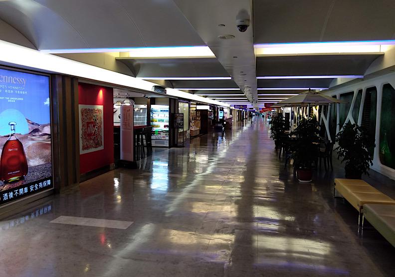 幾近停擺的機場城市,未來復甦恐面臨人力不穩定等挑戰。(圖片來源:towardsky)