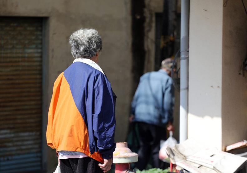 新冠肺炎時期,高齡者更需心理支持與活動