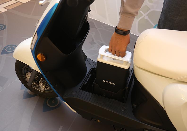 電動機車的使用愈加普及後,地方政府未來可再針對充電設施提供協助。