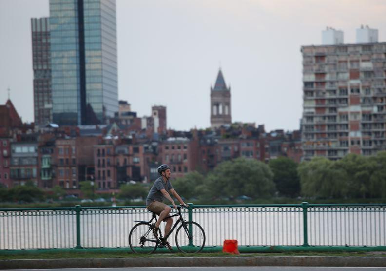 從交通、遊民、到極端氣候,城市面臨的五大難題有何解方?