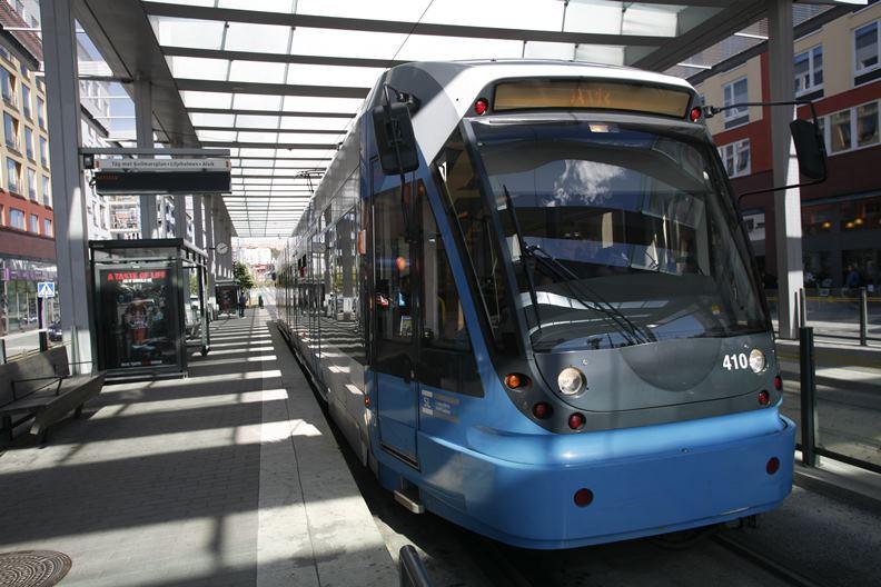 倘若無法提升大眾運輸系統的使用率,城市空間會愈來愈被個人車輛占據、瓜分。