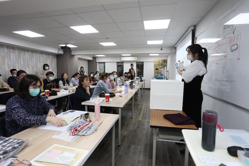 居家整聊室特別開班,透過有系統性地理論與實作分享,培育更多種子職人。