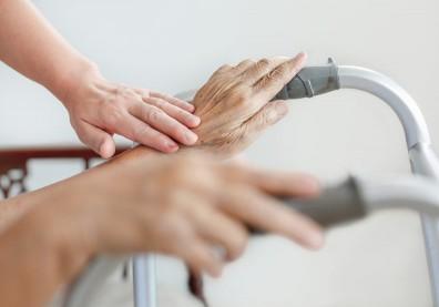 長期「低營養」讓人提早進入長照!肌力衰退後遺症比中風還可怕