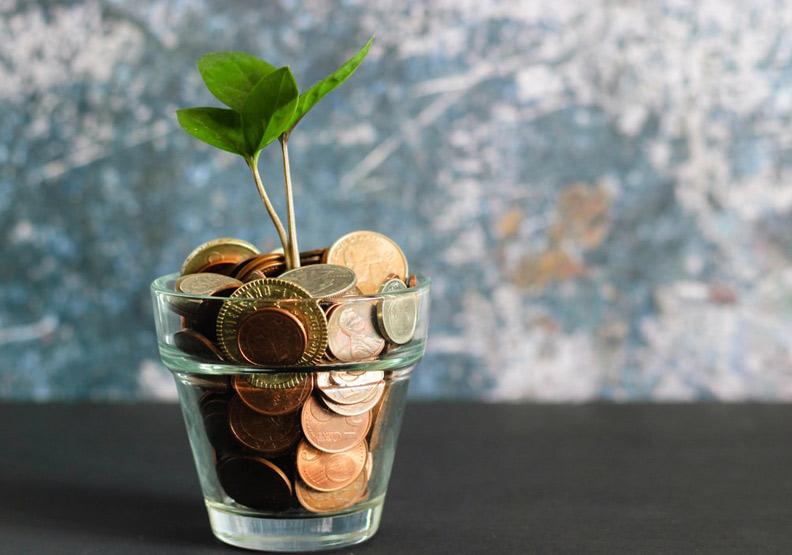 理財第一步在於儲蓄。今天就開始存錢吧。圖片來自unspalsh