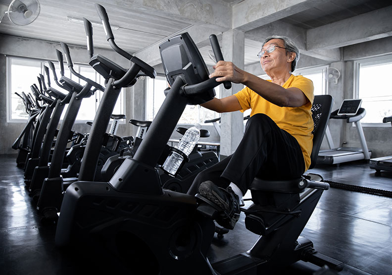 熟齡人士多運動,除了消耗血糖還能新生肌肉。圖片來自Shutterstock