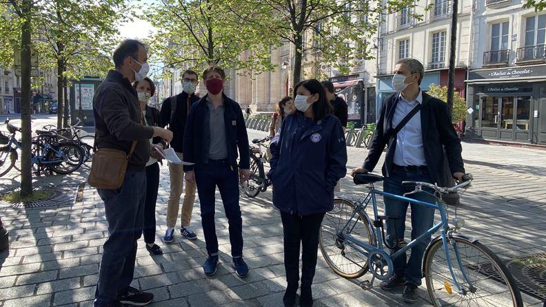 巴黎市長Anne Hidalgo近來推出許多自行車鼓勵措施。 圖片取自Anne Hidalgo臉書