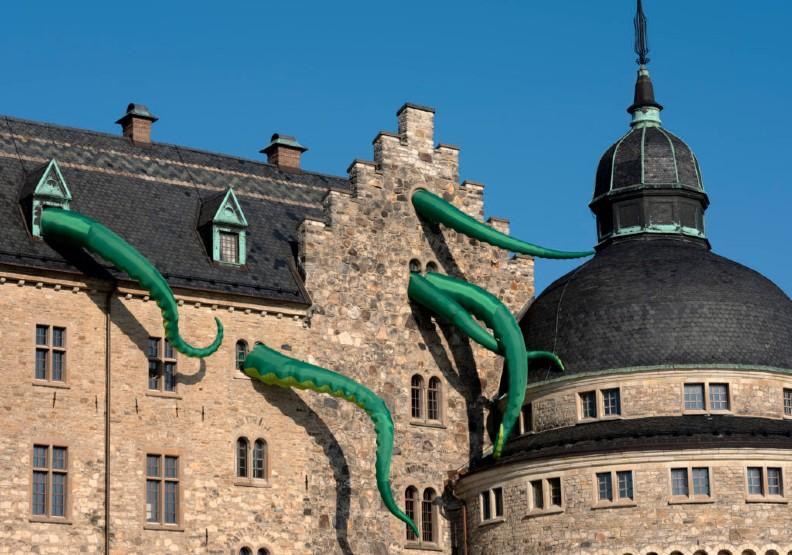 2019年OpenArt 'Octopus Attack's!'章魚腳伸出城堡攻擊,吸睛十足。圖片來源:古碧玲
