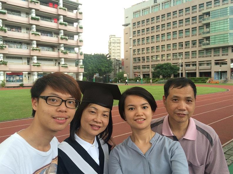 黃玉桂罹癌後,找到人生新方向,更替自己圓了大學夢。
