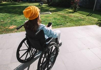 手腳無力、感覺異常別大意!認識自體免疫神經疾病:多發性硬化症