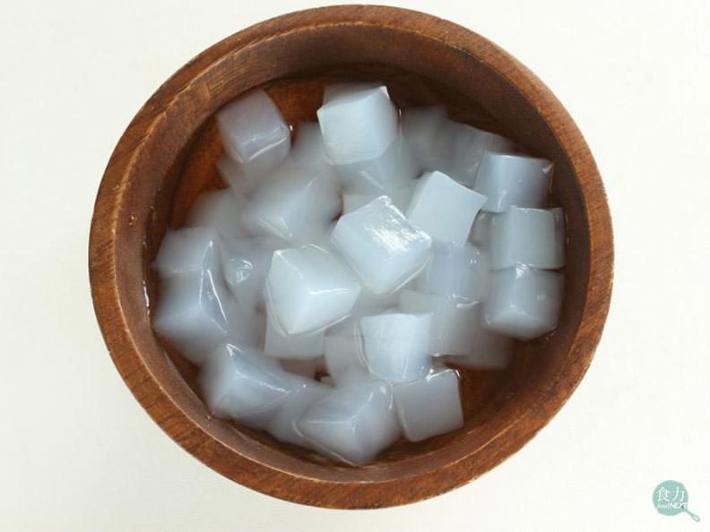 椰果口感有彈性,酸甜的味道替飲品增添更多風味。