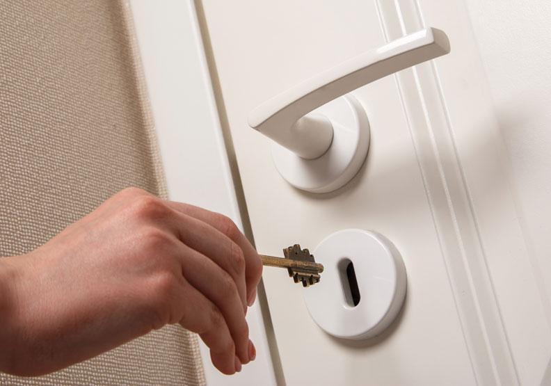 「剛剛到底有沒有鎖門?」2 訣竅面對引發焦慮的強迫性行為