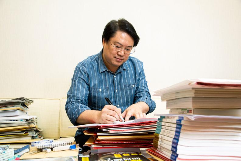 透過諸多努力,林右昌成功讓基隆財務逐步好轉。