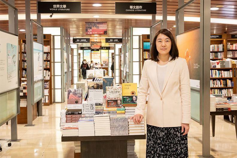 誠品董事長吳旻潔親自宣佈新24小時書店的地點在誠品信義店3樓