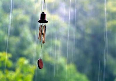 梅雨季易引發腰痛,中醫食療與穴位按摩有助強健脾腎