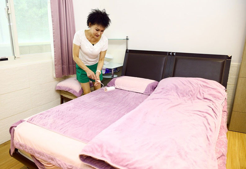 每天起床第一件事,不是摺棉被,而是要展開除蟎行動;取自元氣網。