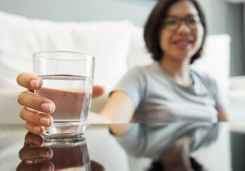 舒緩胃食道逆流不適症狀,醫師推薦 5 個非醫藥級自救法