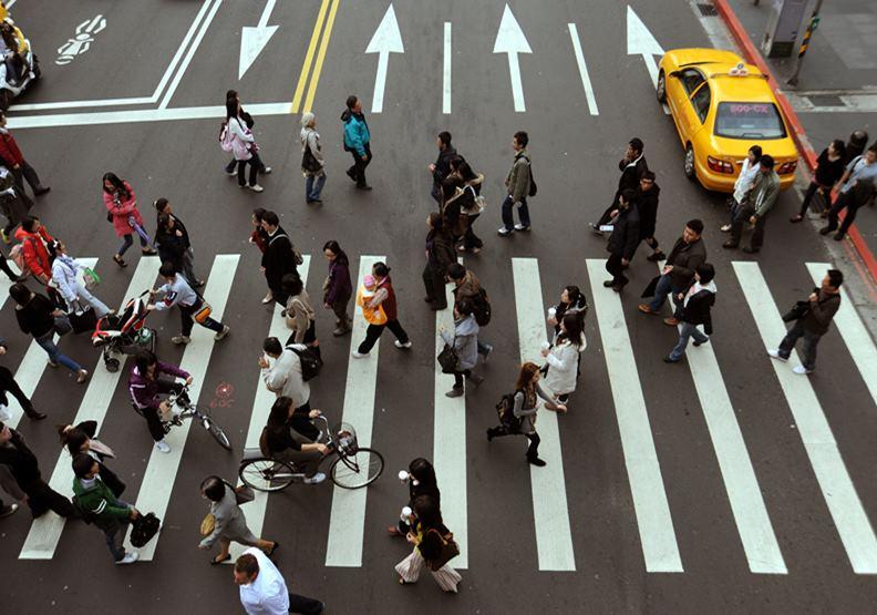 2004年的一則法令,決定了全日本非正職員工的命運!