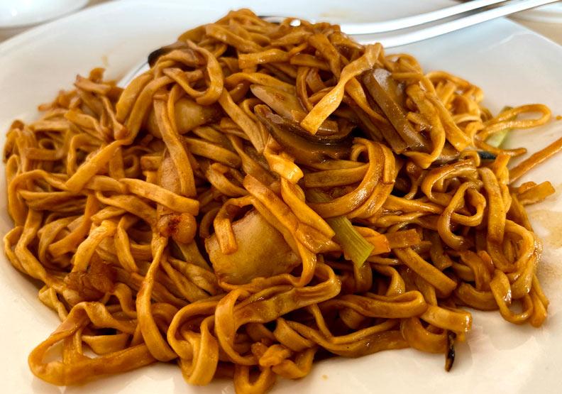 蟹肉乾燒伊麵。