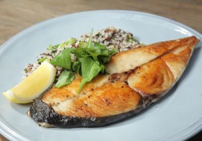 減重只吃「原型食物」還不夠!專家:進食時間、飲食總量都是關鍵