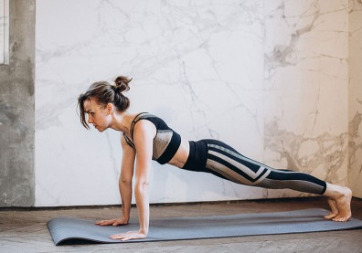 你就是自己的行動健身房!「徒手訓練」讓你隨時增肌燃脂