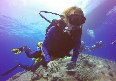 你潛水後怎麼回家?急診醫:選錯路線可能中風、休克