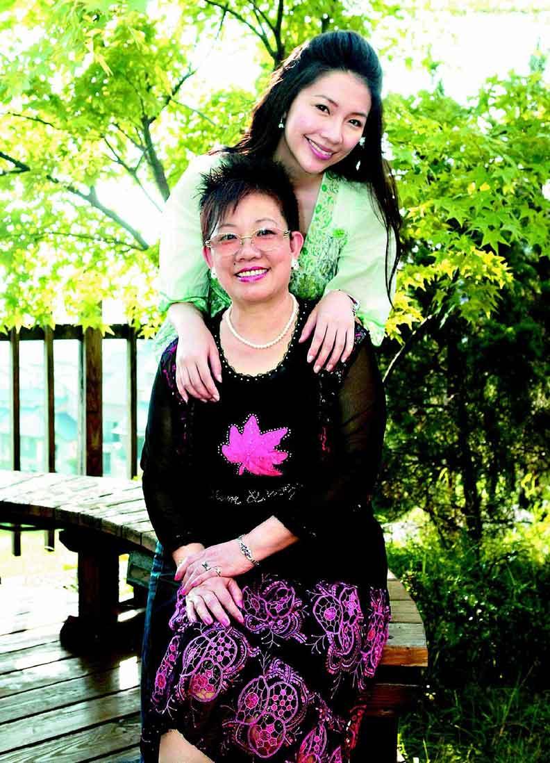 林書煒和媽媽母女情深;聯合報資料照。