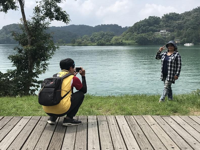 結合行動科技,埔里遊客中心發展行動旅服,主動觸及遊客提供貼心服務,照片提供:日月潭國家風景區。