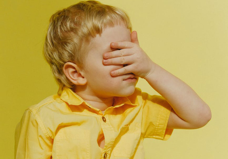 眼睛是人類的靈魂之窗,七歲前的孩子應避免過度使用3C,好好保護眼睛。圖片來自pexels