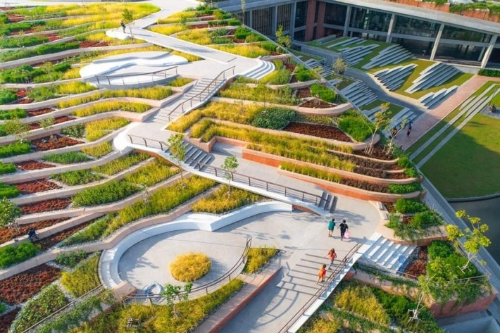 綠色屋頂上的梯田結構,則是受泰國稻米種植的啟發。圖片來源:LANDPROCESS粉絲專頁