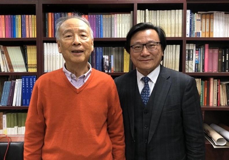 陳鼓應和作者2018年底在北京大學研究室會面。 (周天瑋提供)