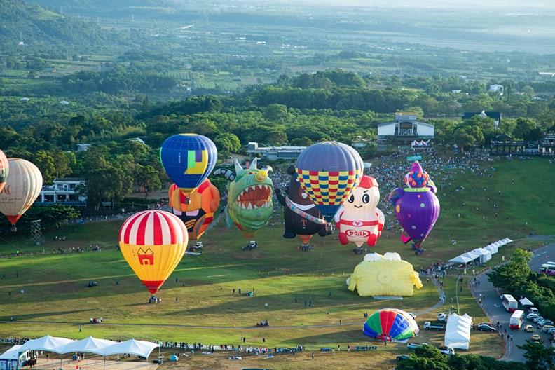 台灣出色的防疫成果,加上台東縣政府的堅持,造就本屆熱氣球嘉年華的超高人氣。