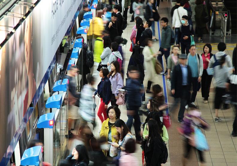 這天終於來了!台灣步入「人口減少時代」,7月差距已破萬