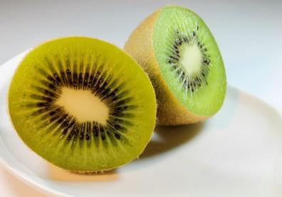 吃奇異果好處多!降罹癌率、減輕失眠、鈣質豐富,但有一種人不適合吃