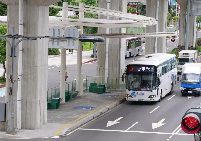 公車機車要不要分流?新莊思源路決定設公車優先道
