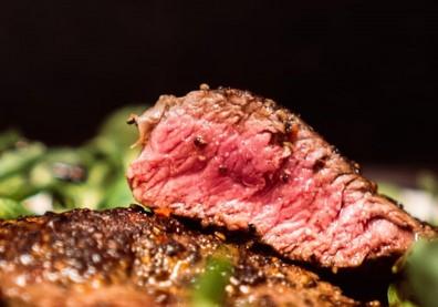 想要增肌減脂,可以大吃牛、豬肉?高蛋白飲食,除了總量,更要重視來源!