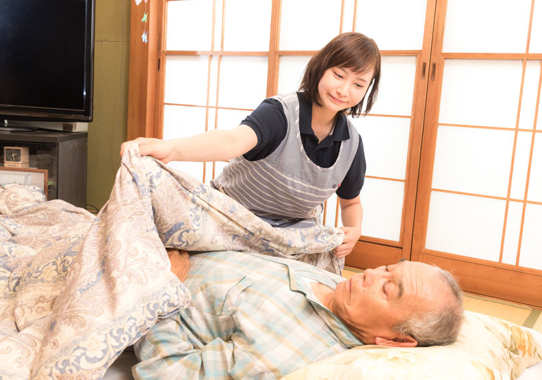 她努力照顧爸媽,卻得不到肯定。僅為情境圖,來自pakutso