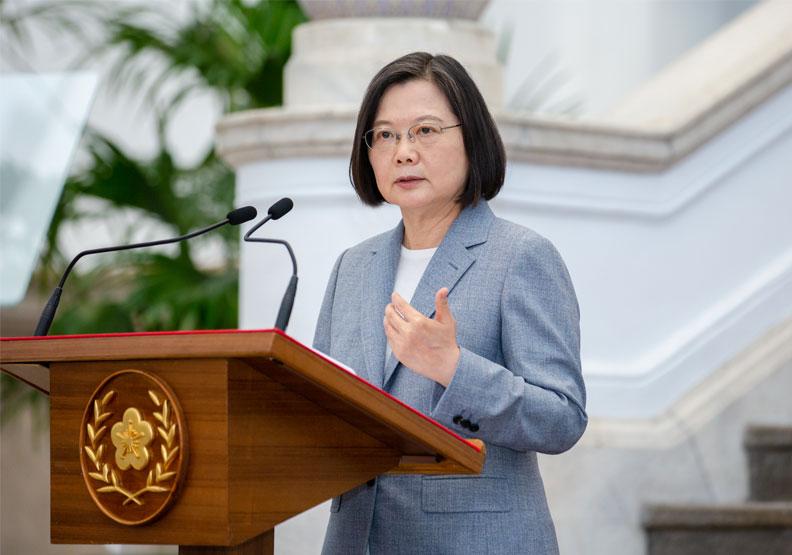 蔡英文政府則認為台灣應與美聯手。圖片來自總統府Flickr
