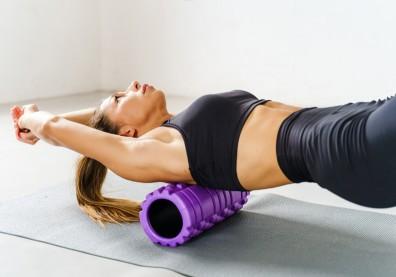 下背痛,九成是「胸腰筋膜」不健康!用PNF伸展、滾筒舒緩緊繃感