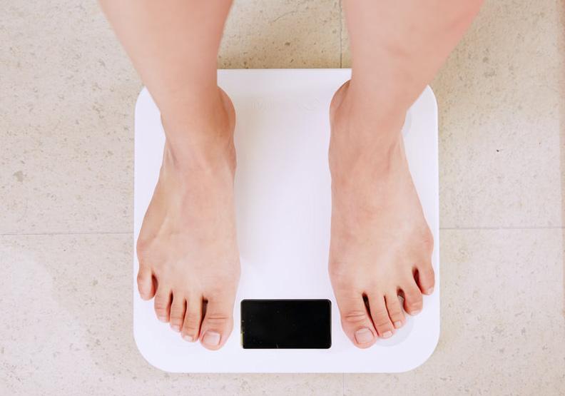 減肥永遠不嫌晚!美研究:肥胖會增加失智風險