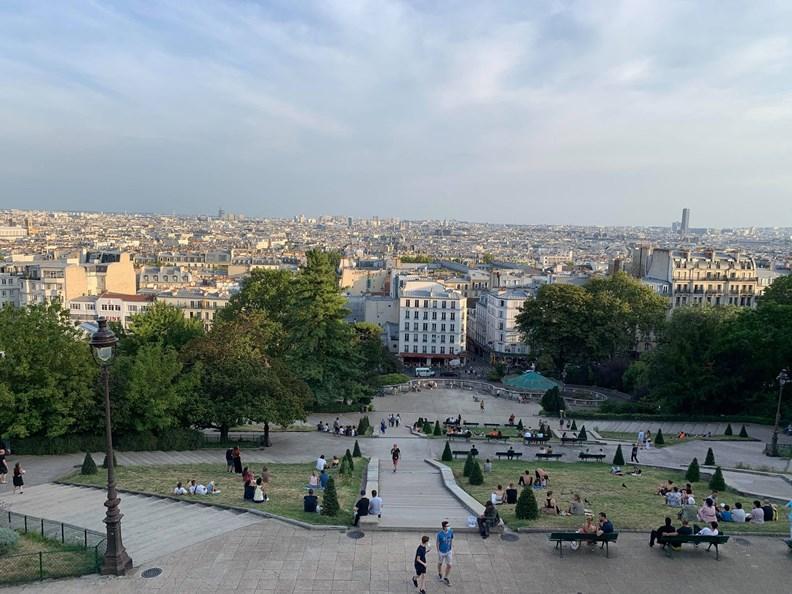 疫情橫掃,巴黎熱門景點如今人潮大減。