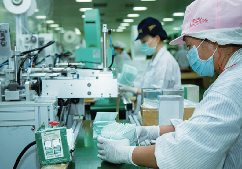 從第一片衛生棉到如今最強口罩工廠,康那香依靠的是創新和不停止的研發精神。池孟諭攝