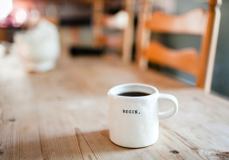 休息5分鐘!營養師帶你快速補充咖啡因,3種吃法助提神