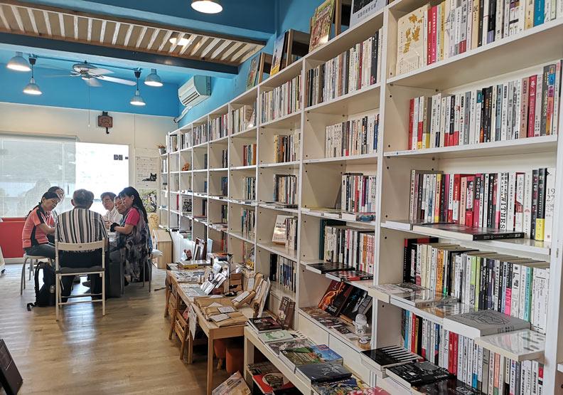 除了賣書,獨立書店還能靠什麼撐下去?