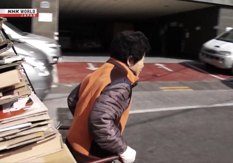南韓的「紙箱老人」現象,透露了什麼辛酸故事?