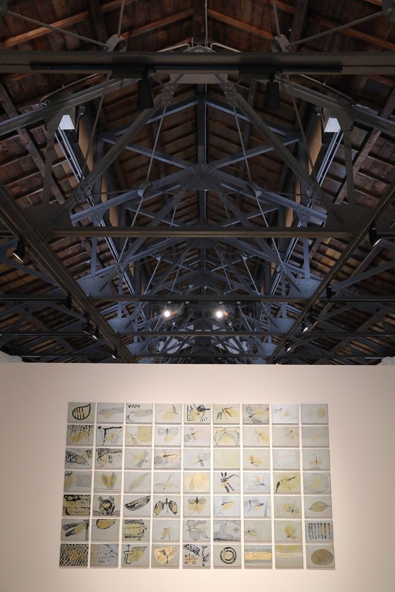 以公賣局老倉庫改造的嘉美館展示空間。