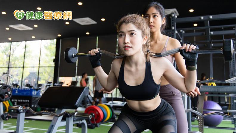 台灣運動醫學學會副秘書長復健科醫師林杏青表示,骨盆底肌受損,其實與先天結構異常,或是疾病、手術、生產、年紀大較有關聯,若在已經不是很健康的狀態下,用錯誤的方式從事運動,可能造成更嚴重的傷害。