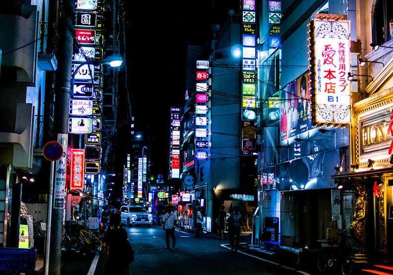 如今歌舞伎町繁華的背後,和台灣人脫不了關係。圖片取自Flickr,sayo ts,CC by 2.0