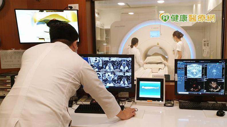 「攝護腺磁振造影檢查」能清楚呈現病灶大小與周邊組織分界,是攝護腺癌的進階篩檢利器之一。
